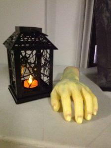 Lanern & Hand